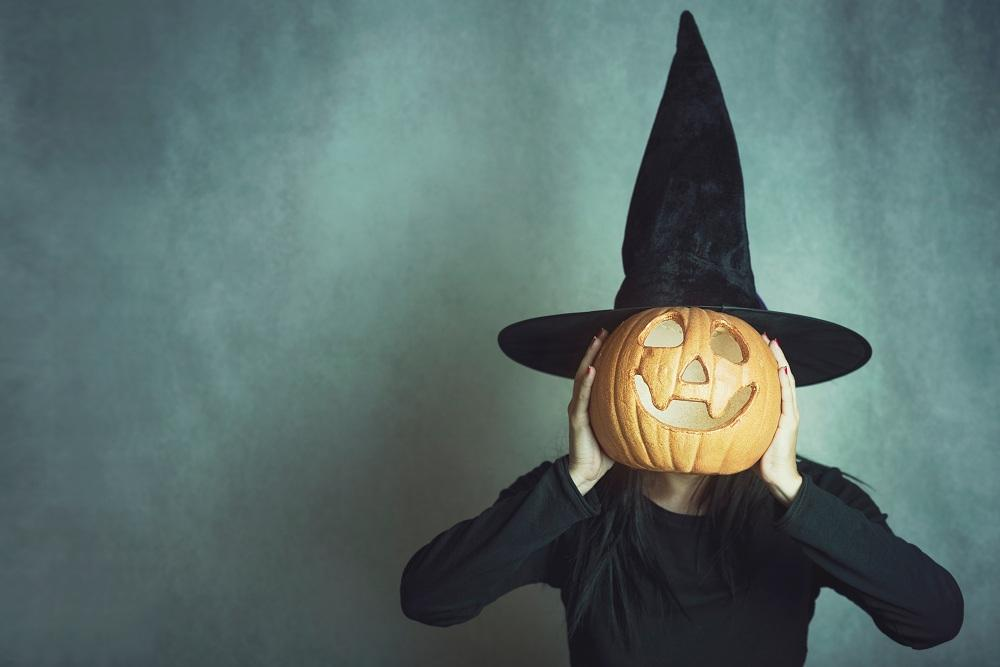 witch with pumpkin face